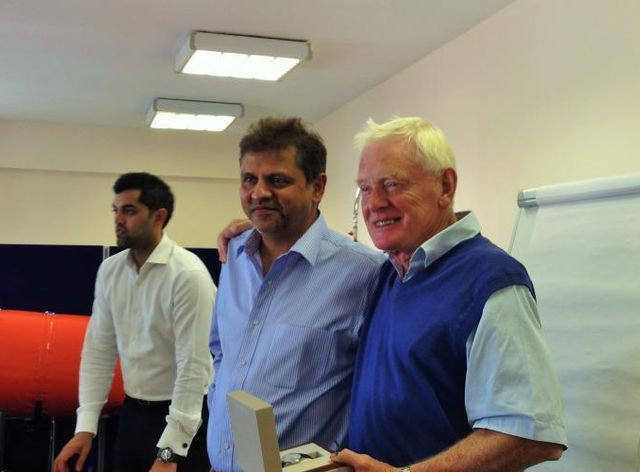 Harry Gandhi, CEO @ Unique Maritime Group Felicitating Richard Eldridge on his retirement