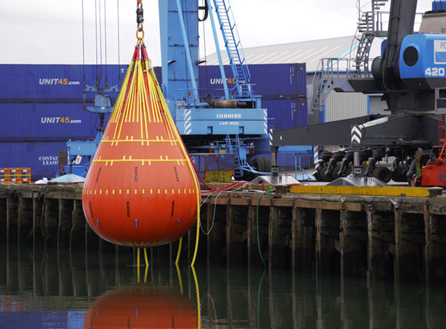 100t Seaflex WaterLoad™ Crane-Test Bag Introduced by Unique Group's Buoyancy & Ballast Division
