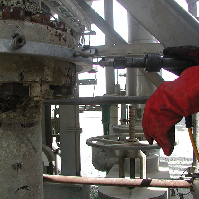 Leak Sealing Services : On line leak sealing pressure services from unique group
