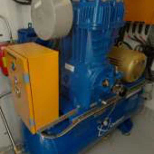 Quincy QR-25-TI - F5120-454, Tank-Mounted Industrial Compressor
